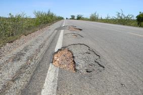 Buracos perigosos na BR 116/Norte